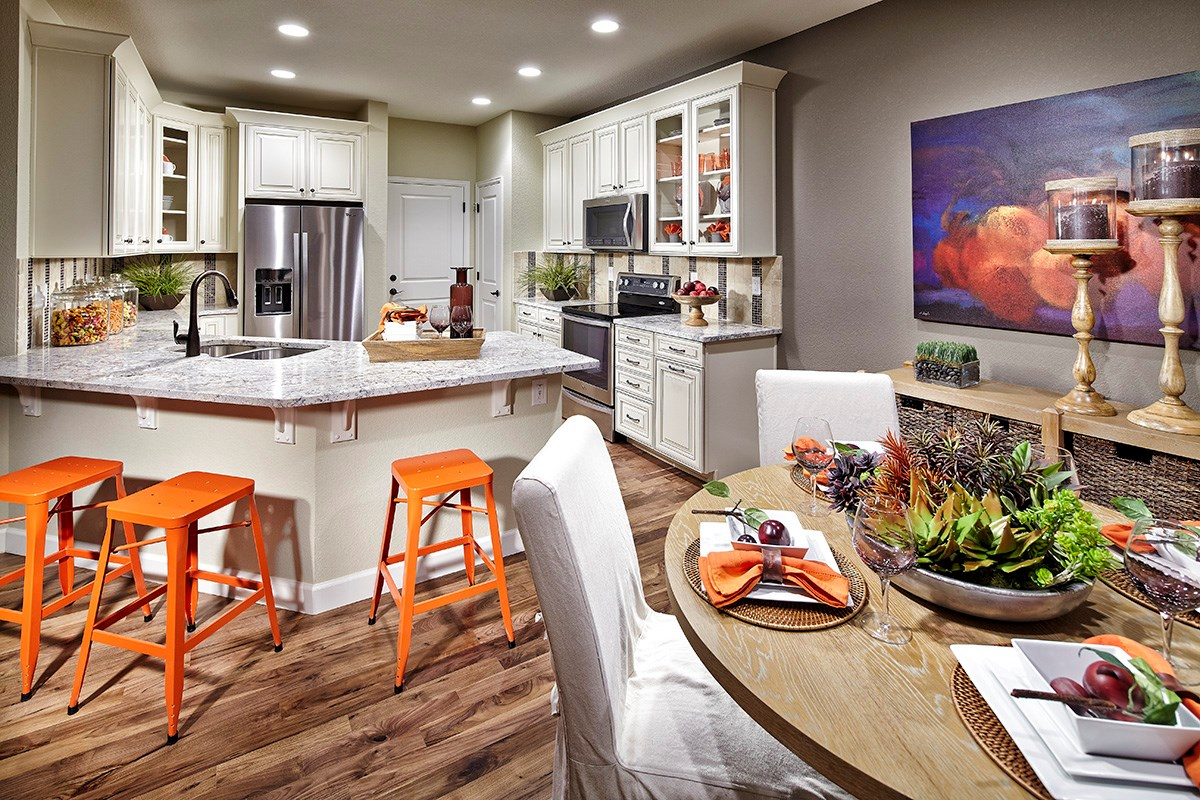 New Homes in Dacono, CO - Sweetgrass - Heritage Collection Lewis 2524 Kitchen