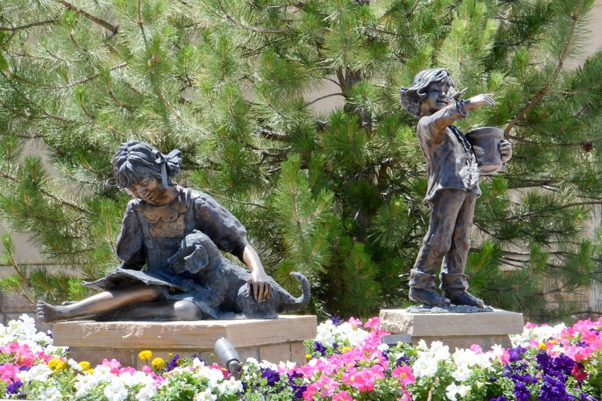 New Homes in Aurora, CO - Copperleaf Copperleaf Statue