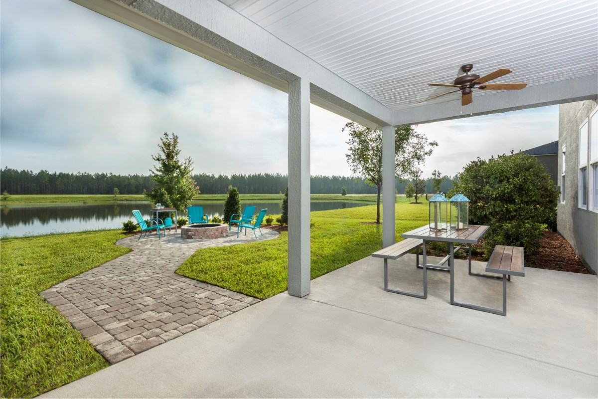 New Homes in St. Johns, FL - The Crossings at Glen St. Johns The Hawthorne Backyard