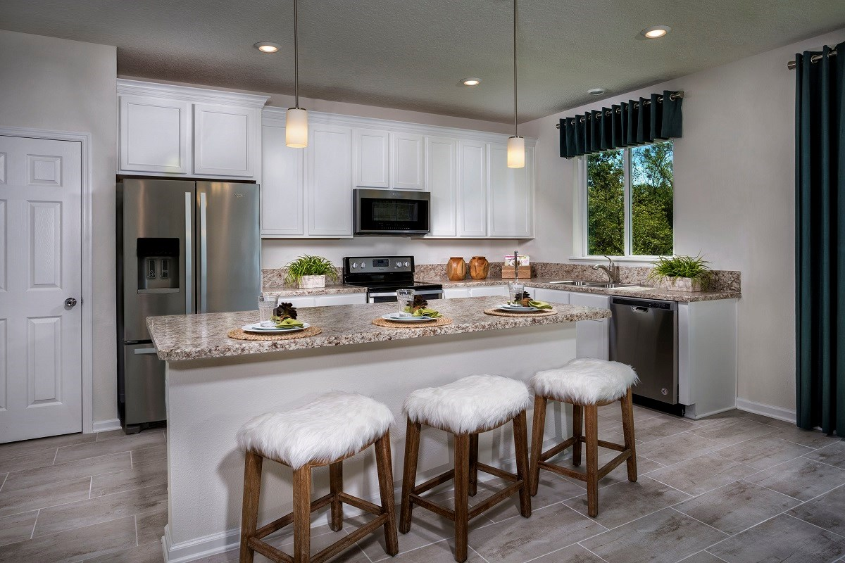 New Homes in Jacksonville, FL - Logan Pointe The Stewart Kitchen
