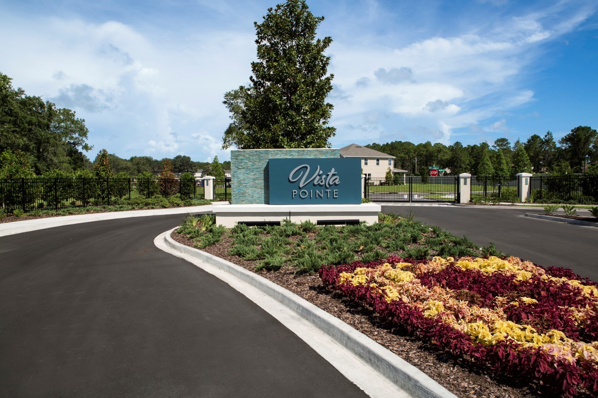 New Homes in Jacksonville, FL - Vista Pointe Gated Entrance