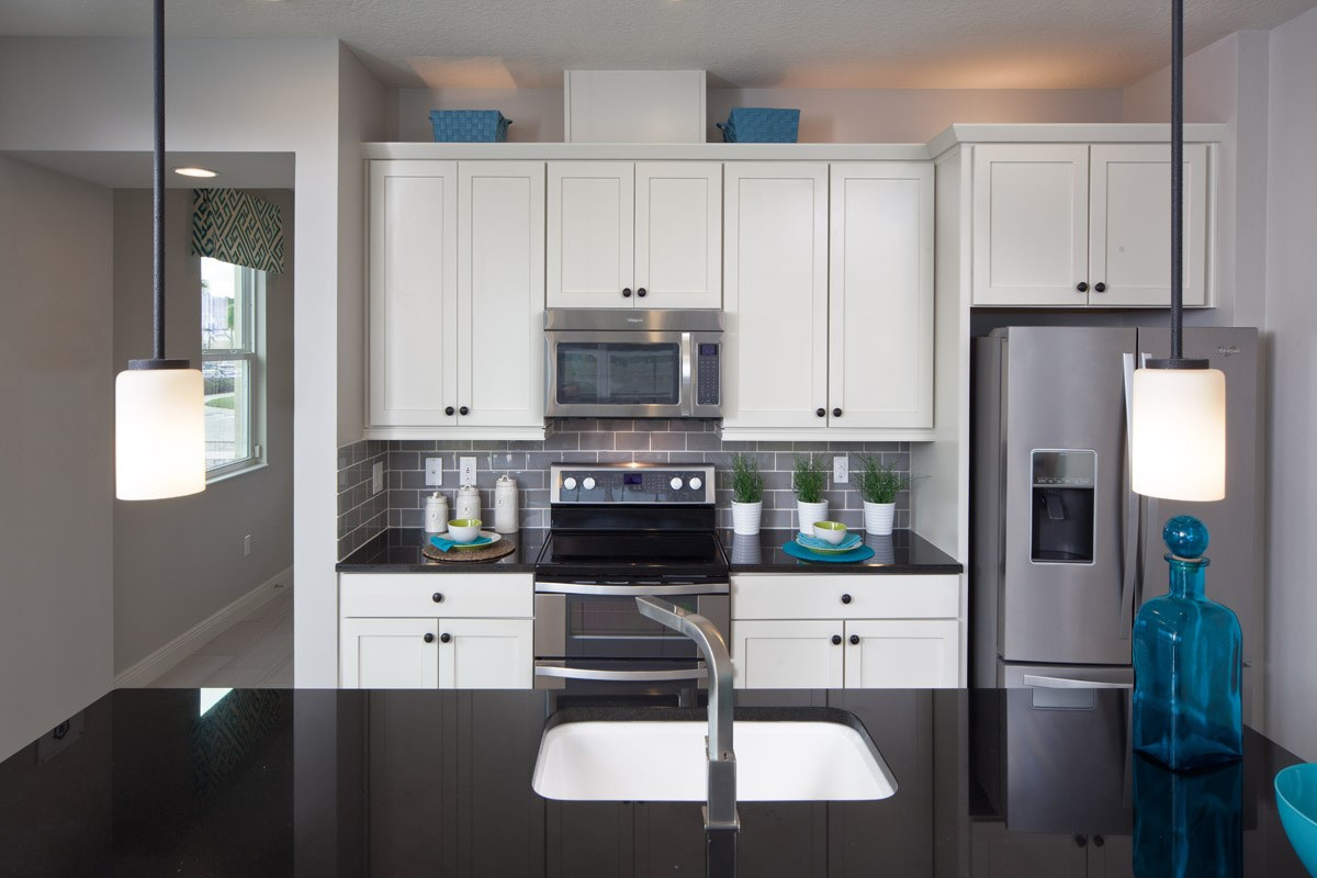 New Homes in Kissimmee, FL - Compass Bay Townhomes 1700 Kitchen