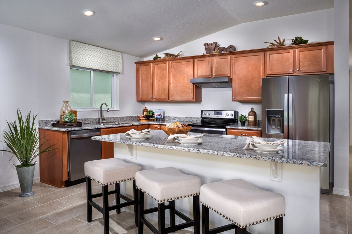 New Homes in St. Cloud , FL - Rivercrest at Narcoossee Plan 1707 Kitchen as modeled at Creekstone
