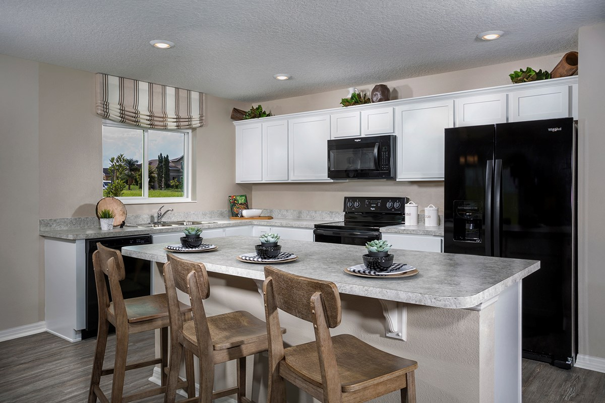 New Homes in Mascotte, FL - The Gardens at Lake Jackson Ridge 1707 Kitchen