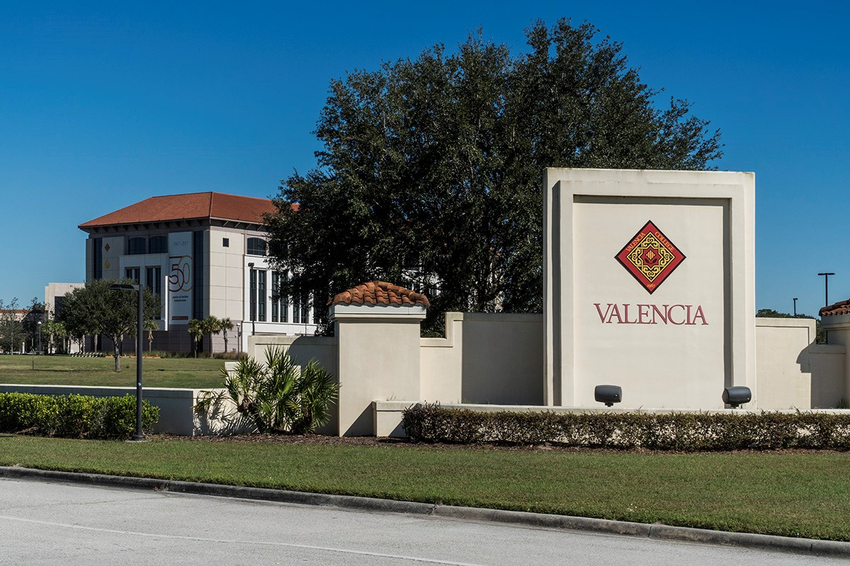 New Homes in St. Cloud, FL - Hanover Square Nearby Valencia College