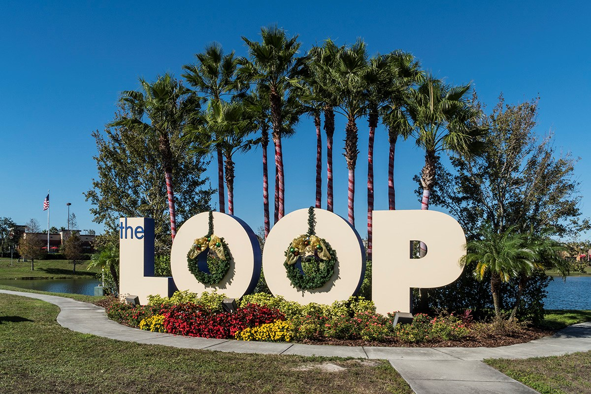 New Homes in St. Cloud, FL - Hanover Square Shopping, Dining and Entertainment at the LOOP