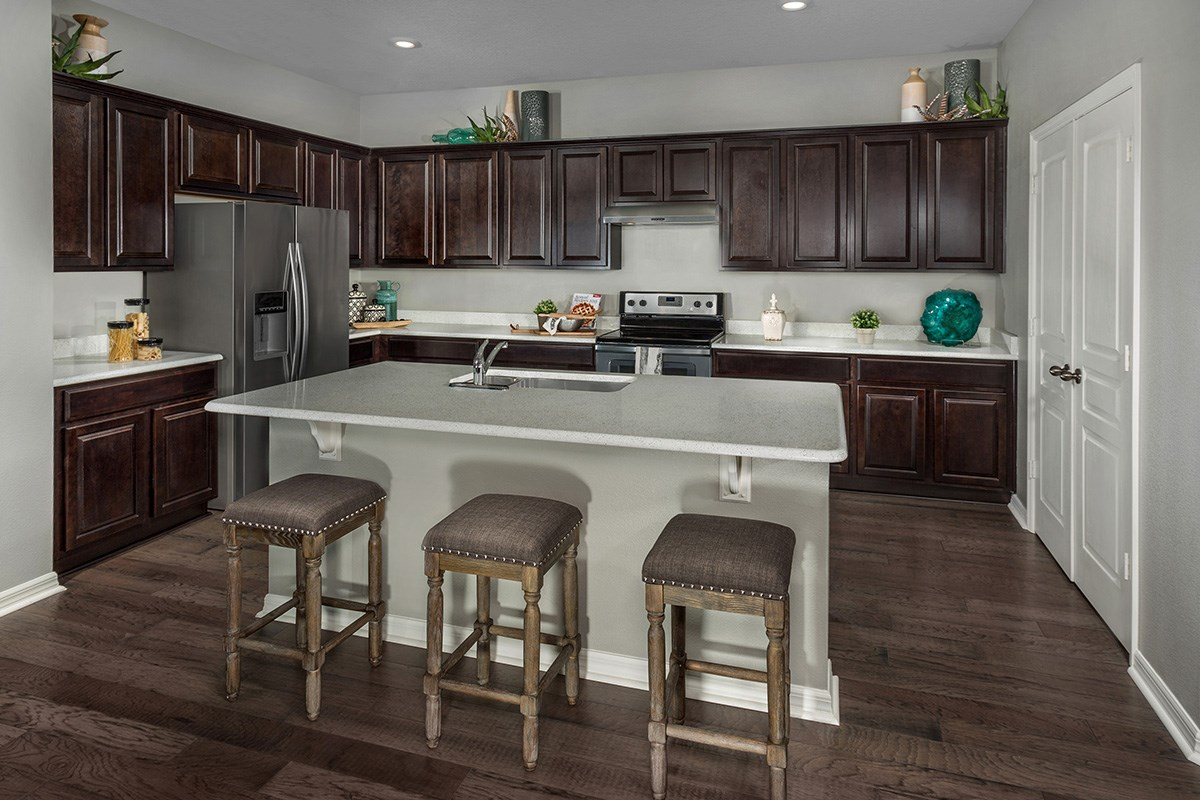 New Homes in St. Cloud, FL - Hanover Square Plan 2333 Kitchen as modeled at Creekstone