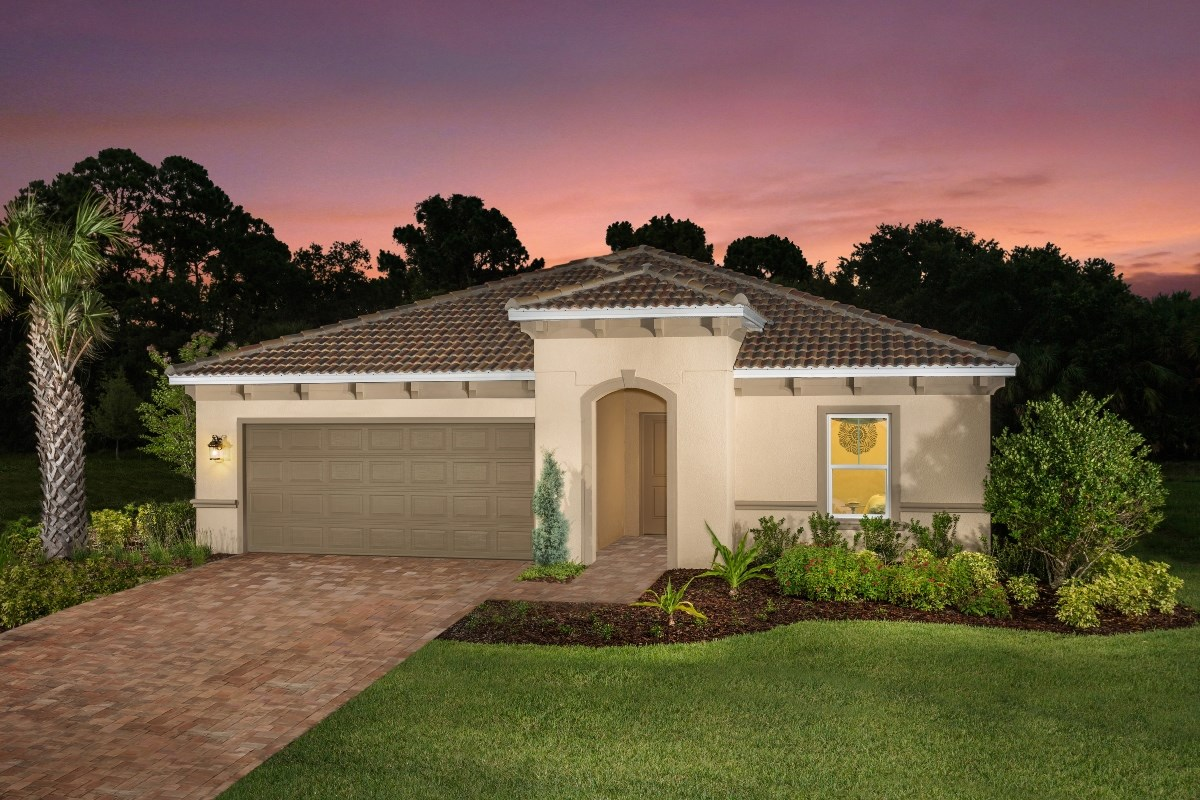 New Homes in Bradenton, FL - Lakewood Estates 2003 Plan as modeled in Stoneybrook at Venice