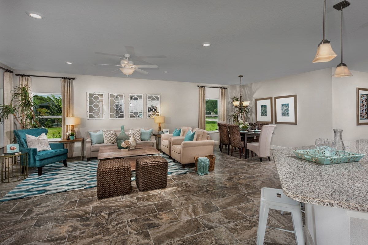 New Homes in Bradenton, FL - Lakewood Estates 2003 Great Room & Dining Room as modeled in Stoneybrook at Venice