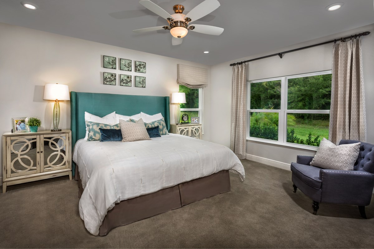 New Homes in Bradenton, FL - Lakewood Estates 2003 Master Suite as modeled in Stoneybrook at Venice