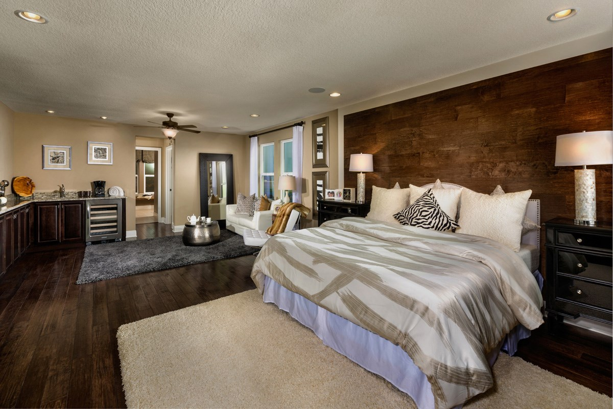 New Homes in Riverview, FL - Ibis Cove II at South Fork 3411 Master Suite with Sitting Area