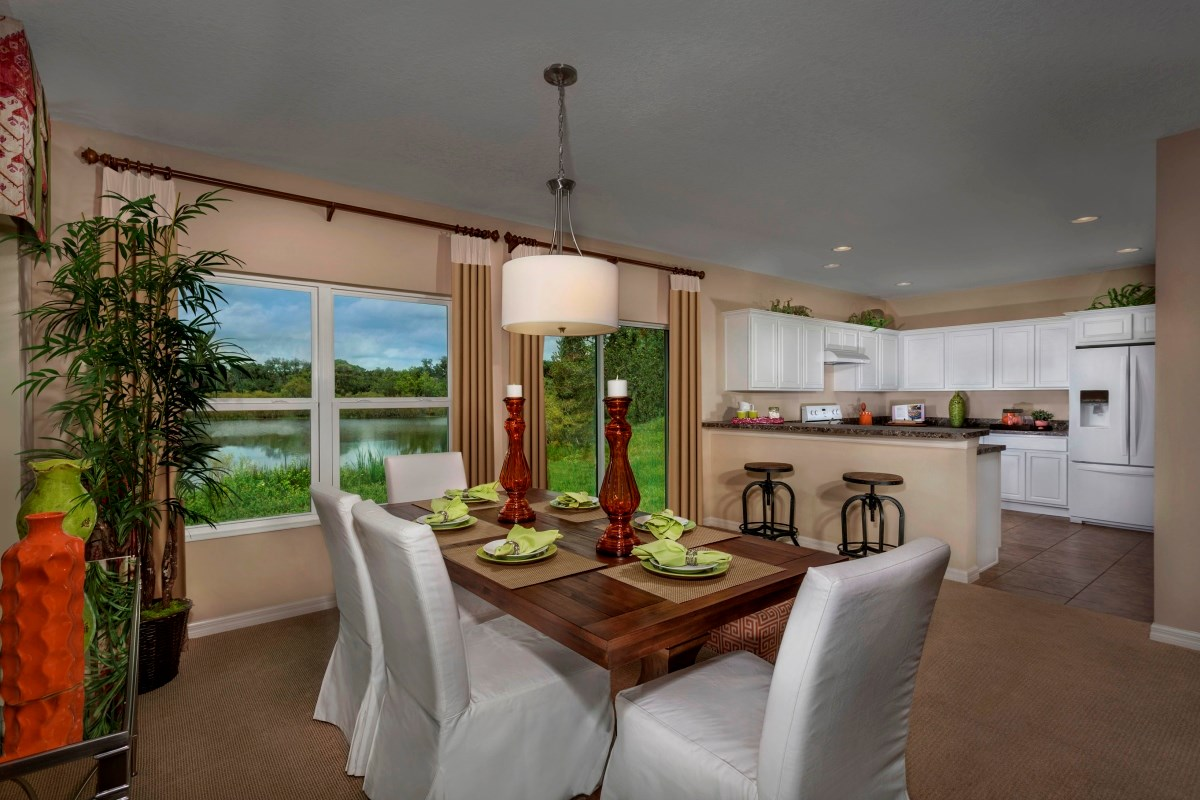 New Homes in Riverview, FL - Medford Lakes I Plan 1586 Dining Room and Kitchen