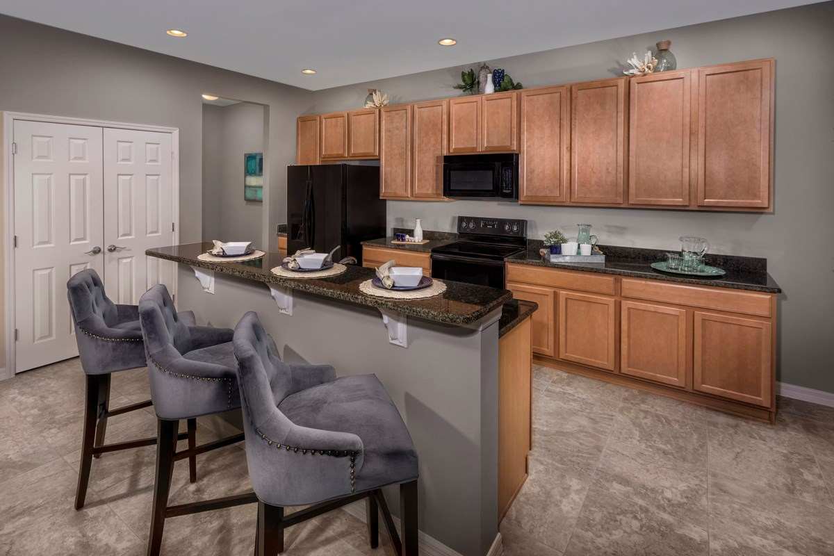 New Homes in Riverview, FL - Medford Lakes II Plan 2550 Kitchen
