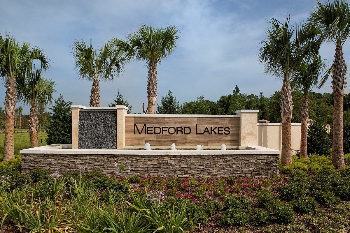 New Homes in Riverview, FL - Medford Lakes I Entry Monument Signage