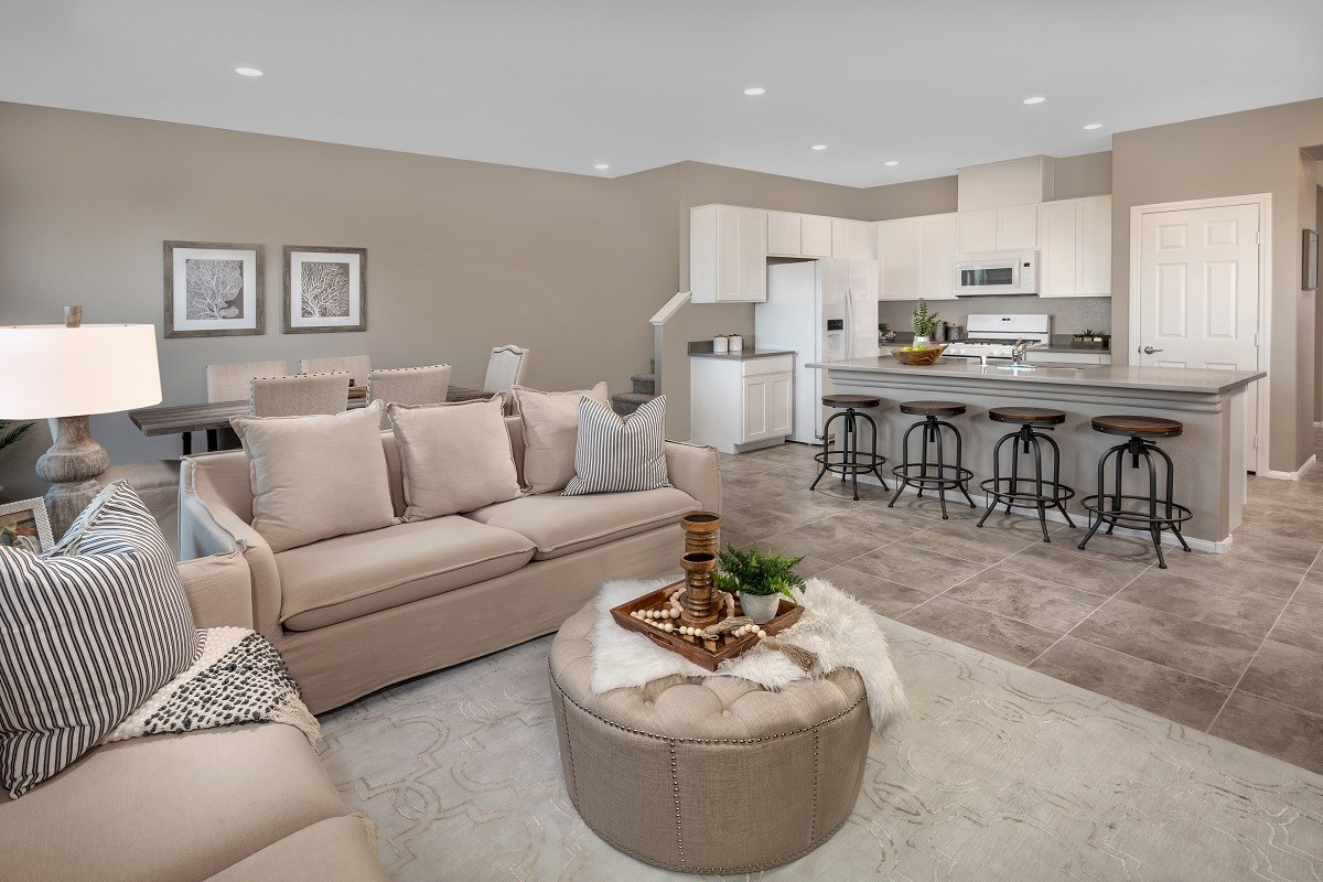 New Homes in Las Vegas, NV - Autumn Winds Plan 1673 Interior Unit Great Room