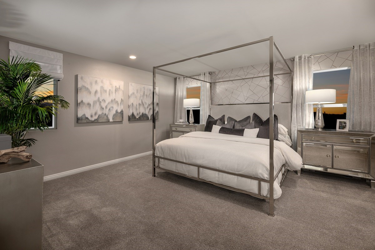 New Homes in Las Vegas, NV - Autumn Winds Plan 1673 End Unit Master Bedroom