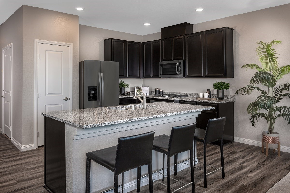 New Homes in Las Vegas, NV - Autumn Winds Plan 1713 End Unit Kitchen