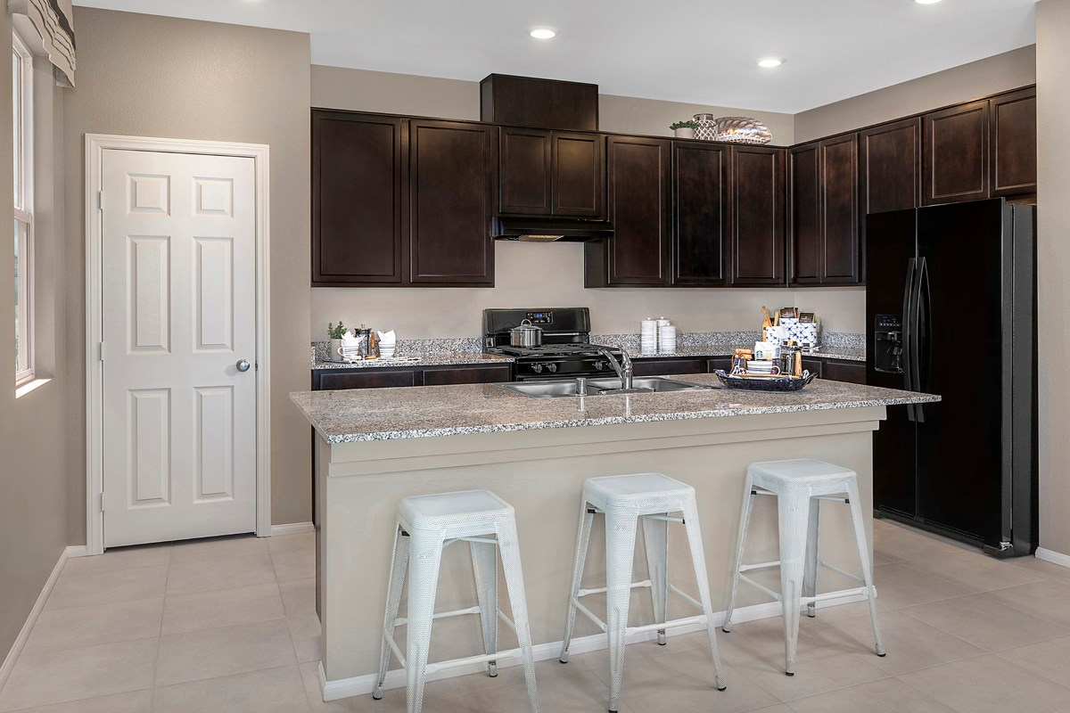 New Homes in North Las Vegas, NV - Groves at Saddlebrook Plan 1860 Kitchen