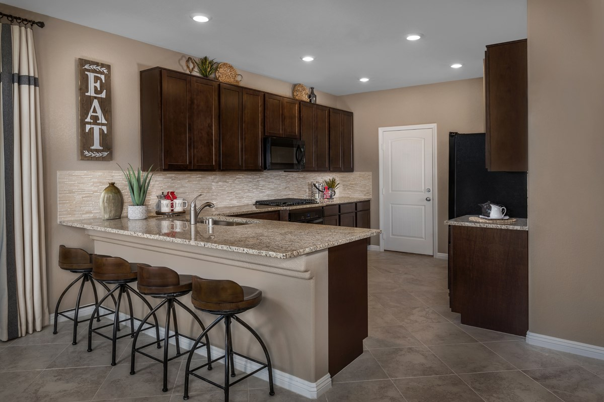 New Homes in North Las Vegas, NV - Landings at Tanglewood Plan 1657 Kitchen