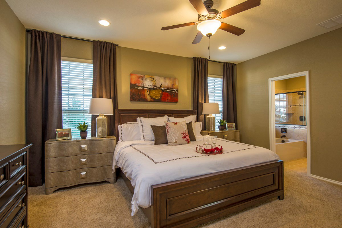 New Homes in Georgetown, TX - Creekside at Georgetown Village Plan E-2412 Master Bedroom