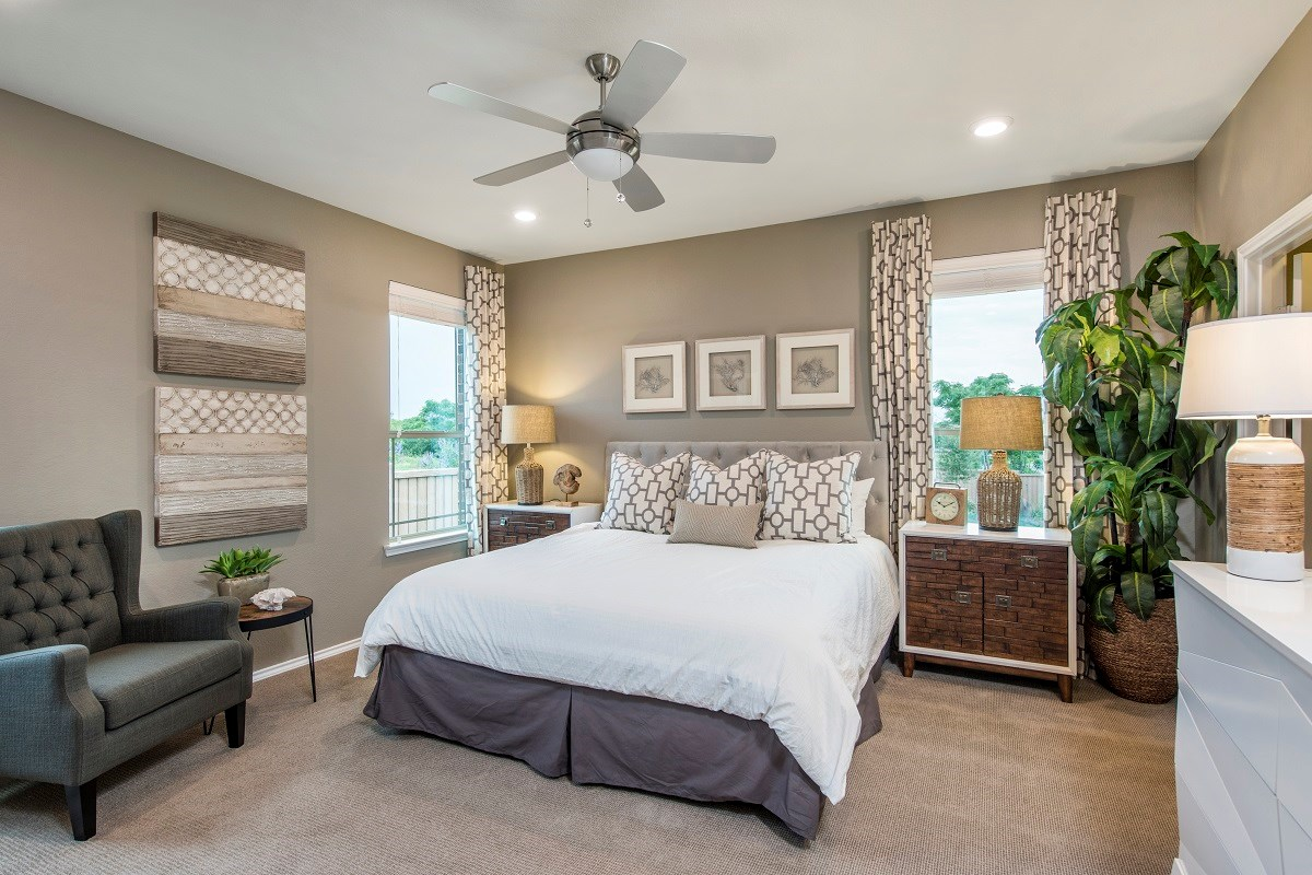 New Homes in Pflugerville, TX - The Edgewaters Plan E-1892 Master Bedroom