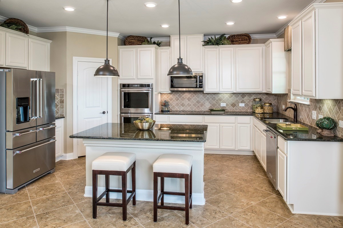 New Homes in Pflugerville, TX - The Edgewaters Plan A-2655 Kitchen