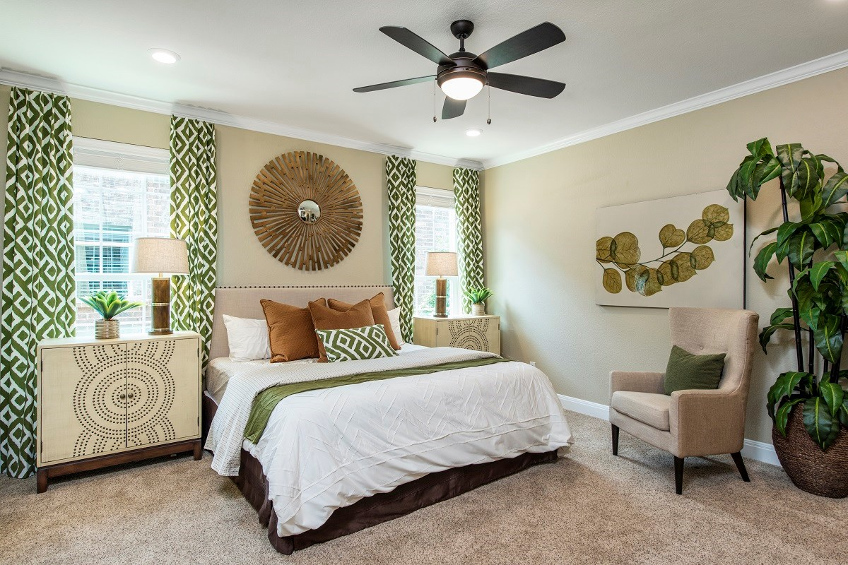 New Homes in Pflugerville, TX - The Edgewaters Plan A-2655 Master Bedroom