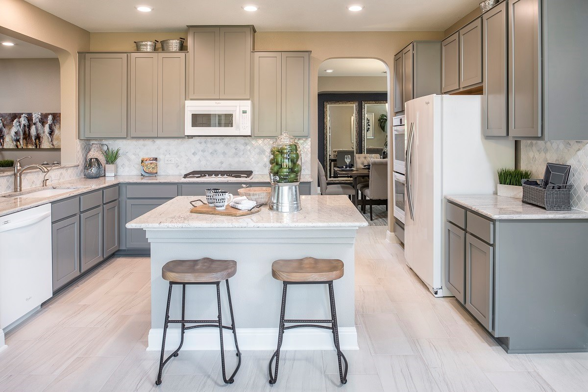 New Homes in Leander, TX - Mason Hills - The Lakes Hallmark Collection Plan A-3125 Kitchen
