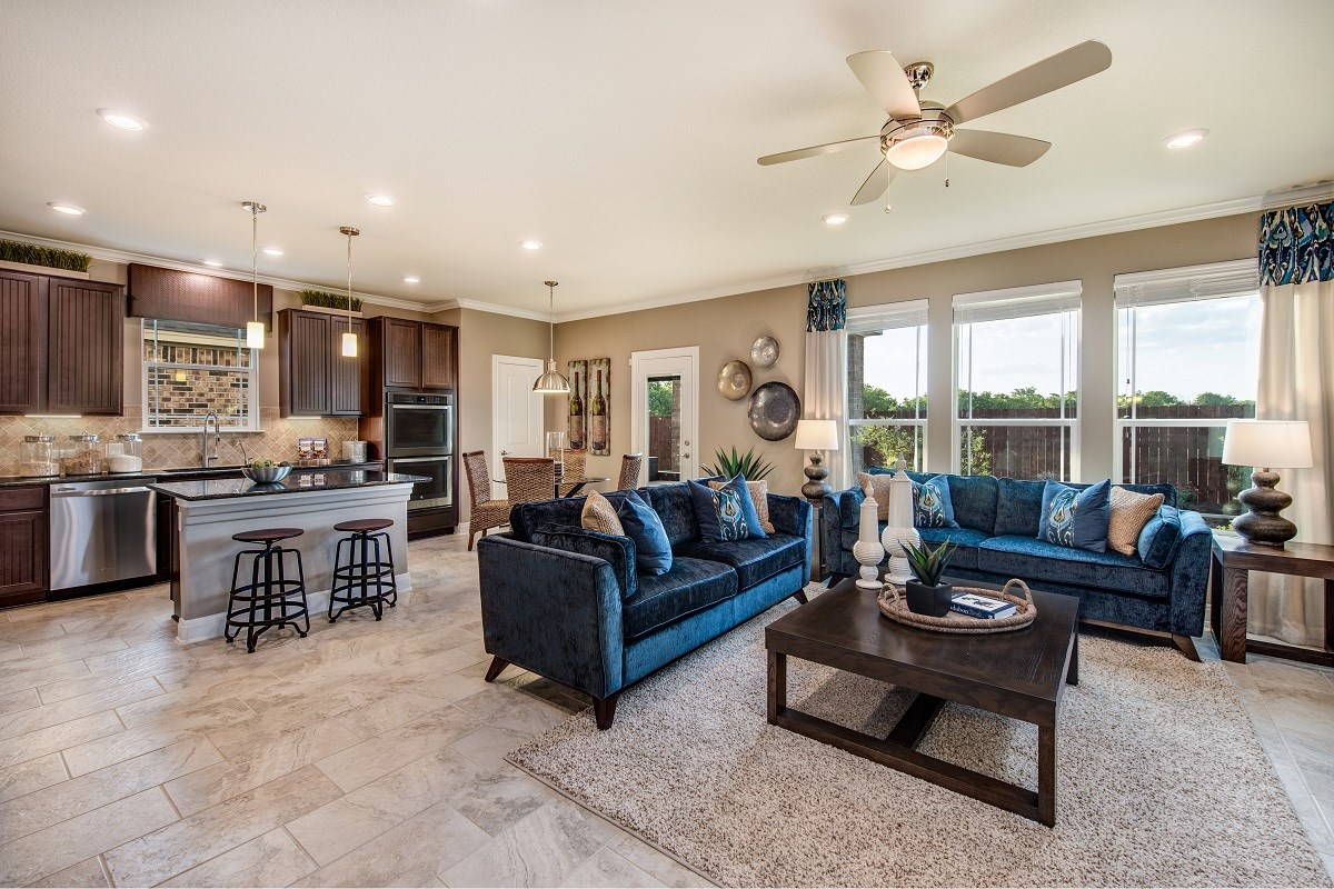 New Homes in Round Rock, TX - Pioneer Point Plan F-2708 Great Room