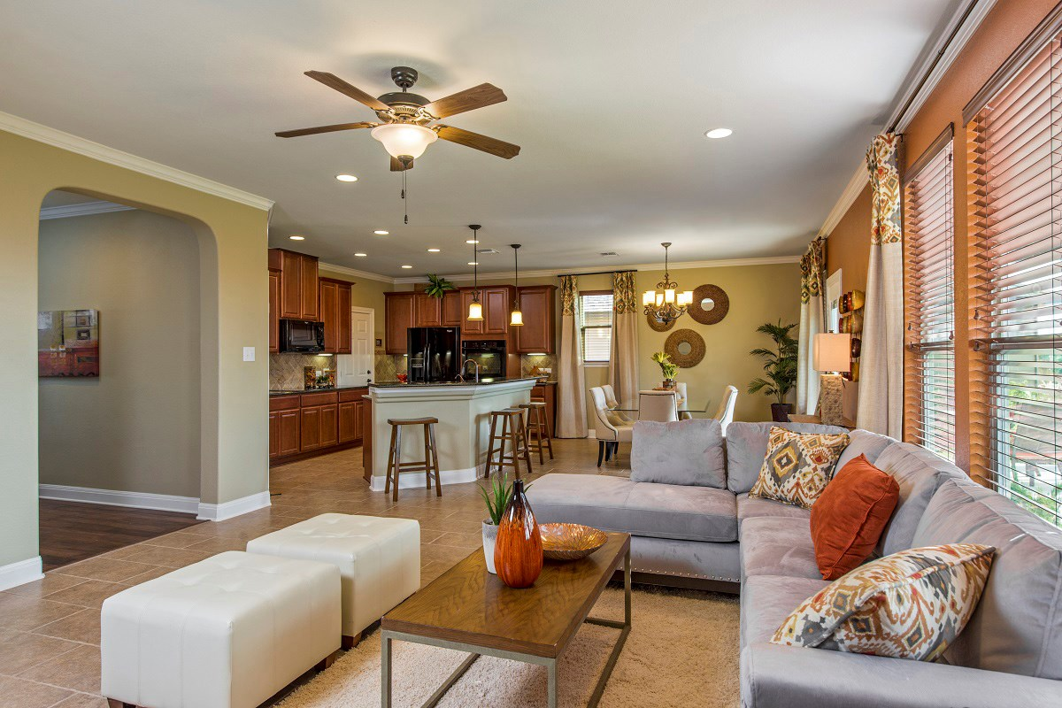 New Homes in Del Valle, TX - The Trails at Stoney Ridge Plan E-2403 Living Area