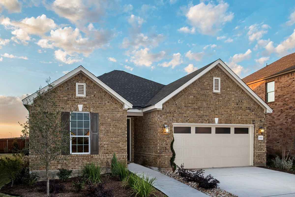 New Homes in Manor, TX - Presidential Meadows - Classic Collection Plan A-1675