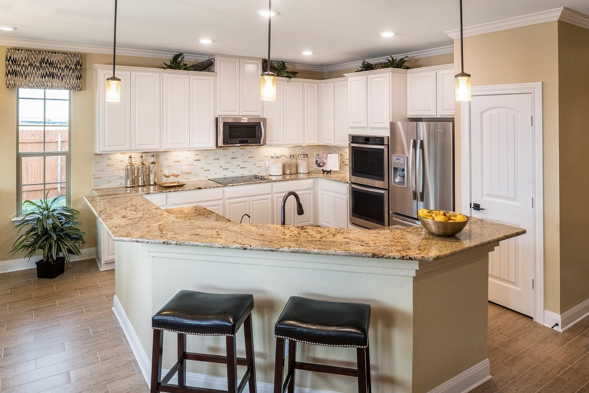 New Homes in Elgin, TX - Saratoga Farms Plan A-2502 Kitchen