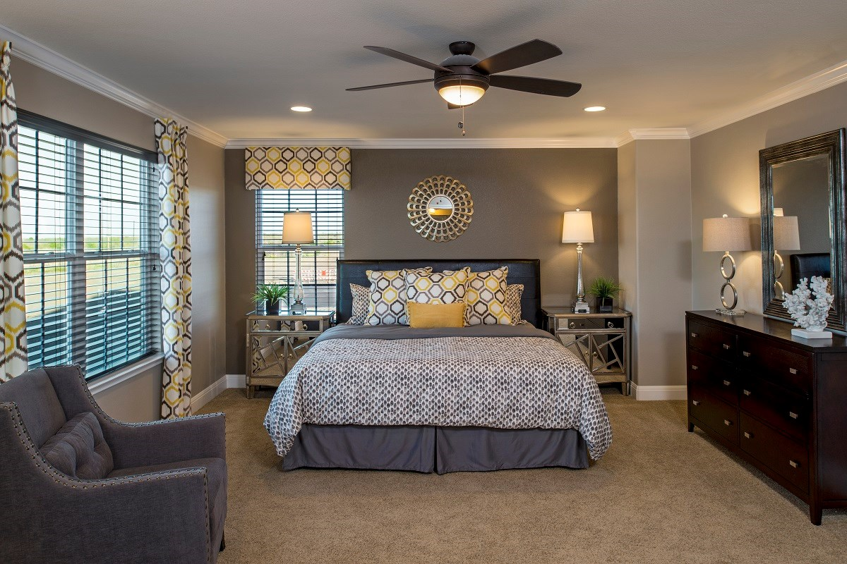 New Homes in Del Valle, TX - The Trails at Stoney Ridge Plan E-2177 Master Bedroom