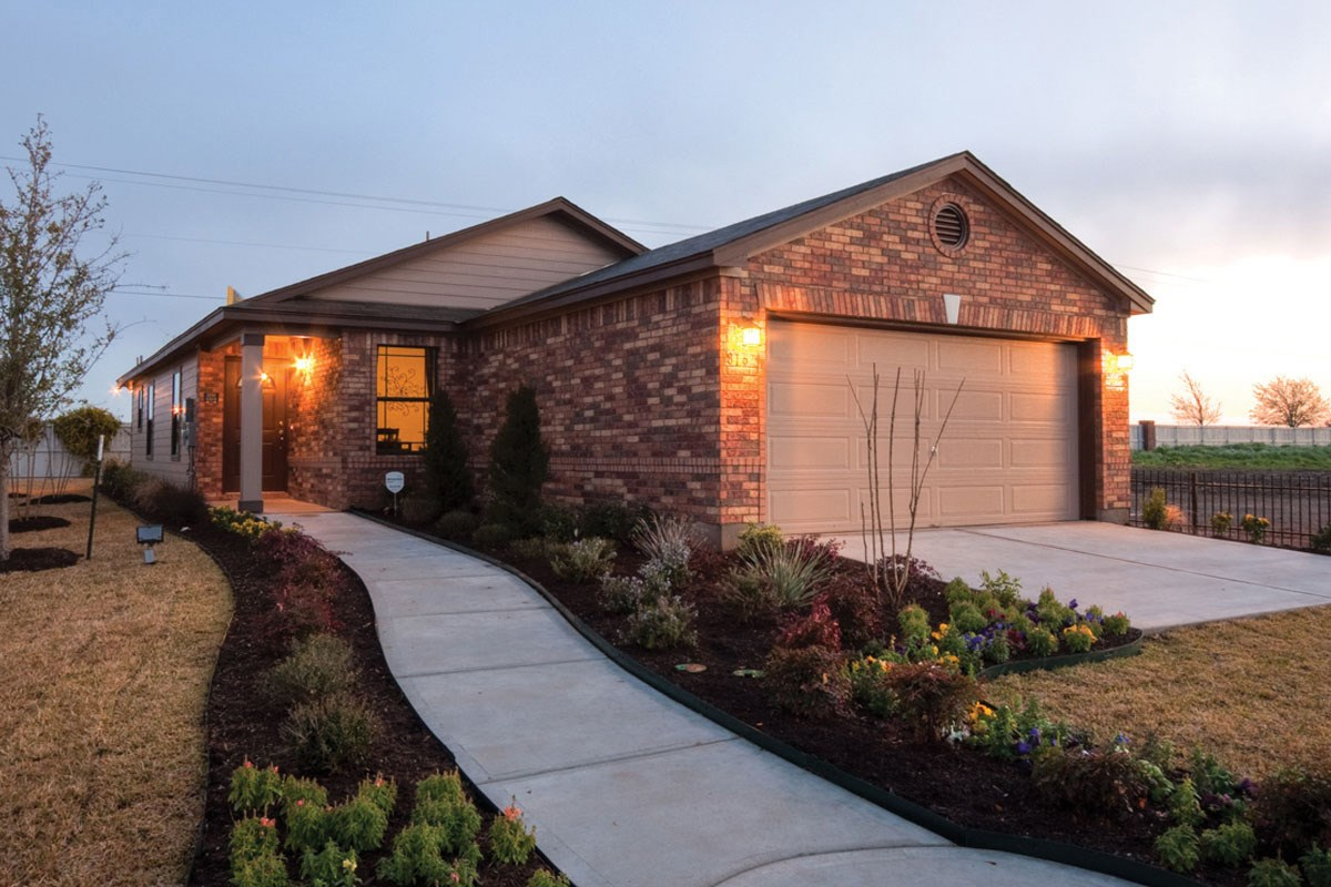 New Homes in Taylor, TX - Summerfield PLan F-1315