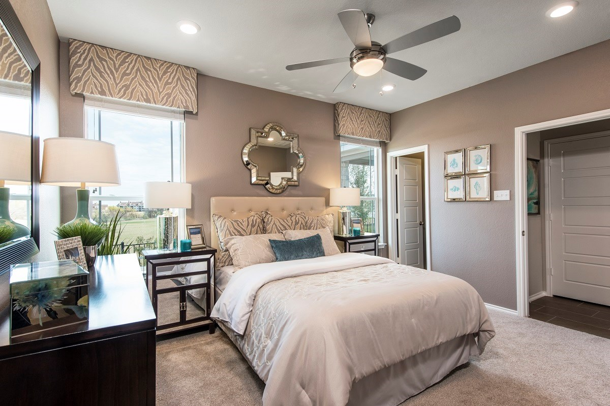 New Homes in Hutto, TX - Villas at Star Ranch Plan F-1353 Master Bedroom