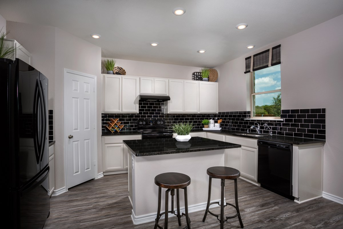 New Homes in Fort Worth, TX - Copper Creek Plan 1813 Kitchen
