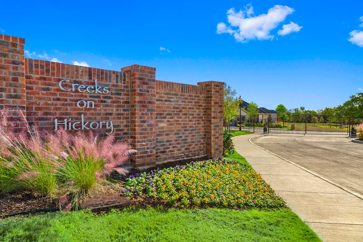 New Homes in Frisco, TX - Creeks on Hickory Entry Monument