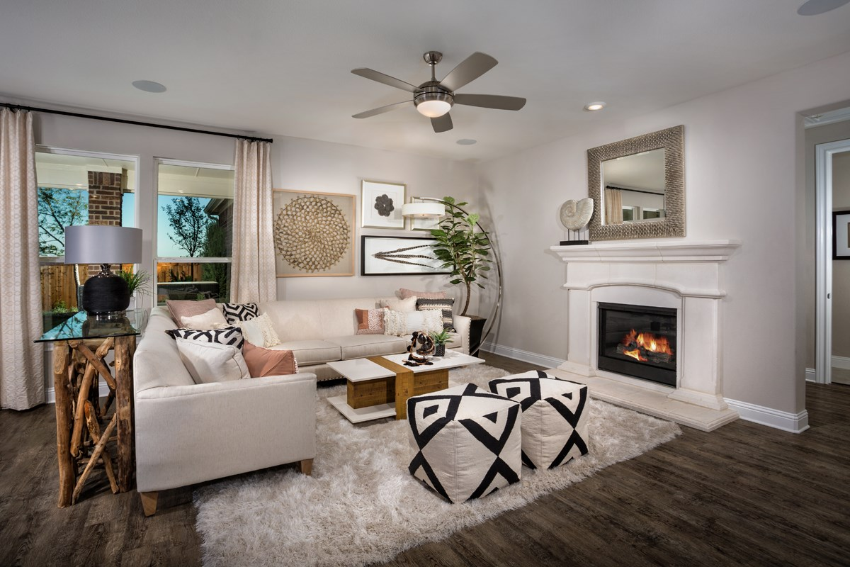 New Homes in Frisco, TX - Retreat at Stonebriar Plan 1833 Living Room