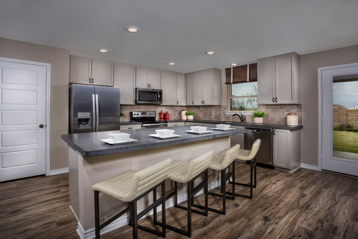 New Homes in Aubrey, TX - Winn Ridge Plan 2535 Kitchen