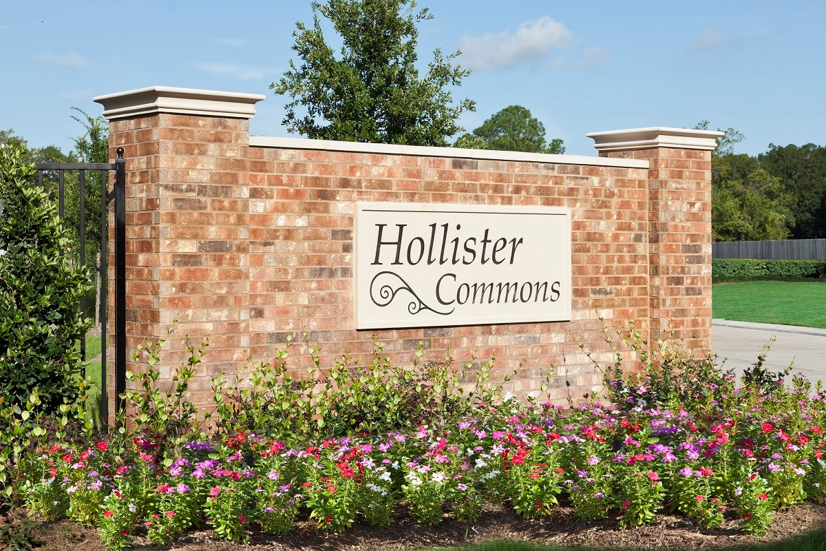 New Homes in Houston, TX - Hollister Commons Entry Monument