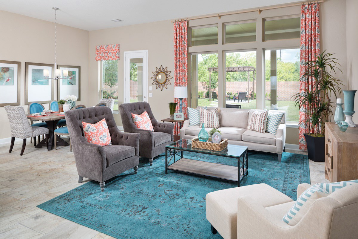 New Homes in Pearland, TX - Shadow Grove Preserve 2715 Great Room