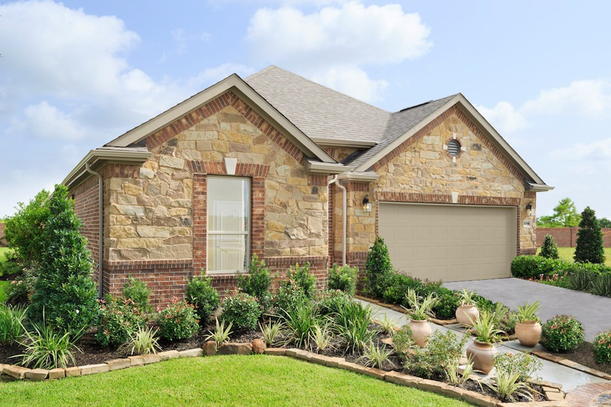 New Homes in Conroe, TX - Wedgewood Falls Preserve Plan 2130 as modeled at Berkshire Oaks