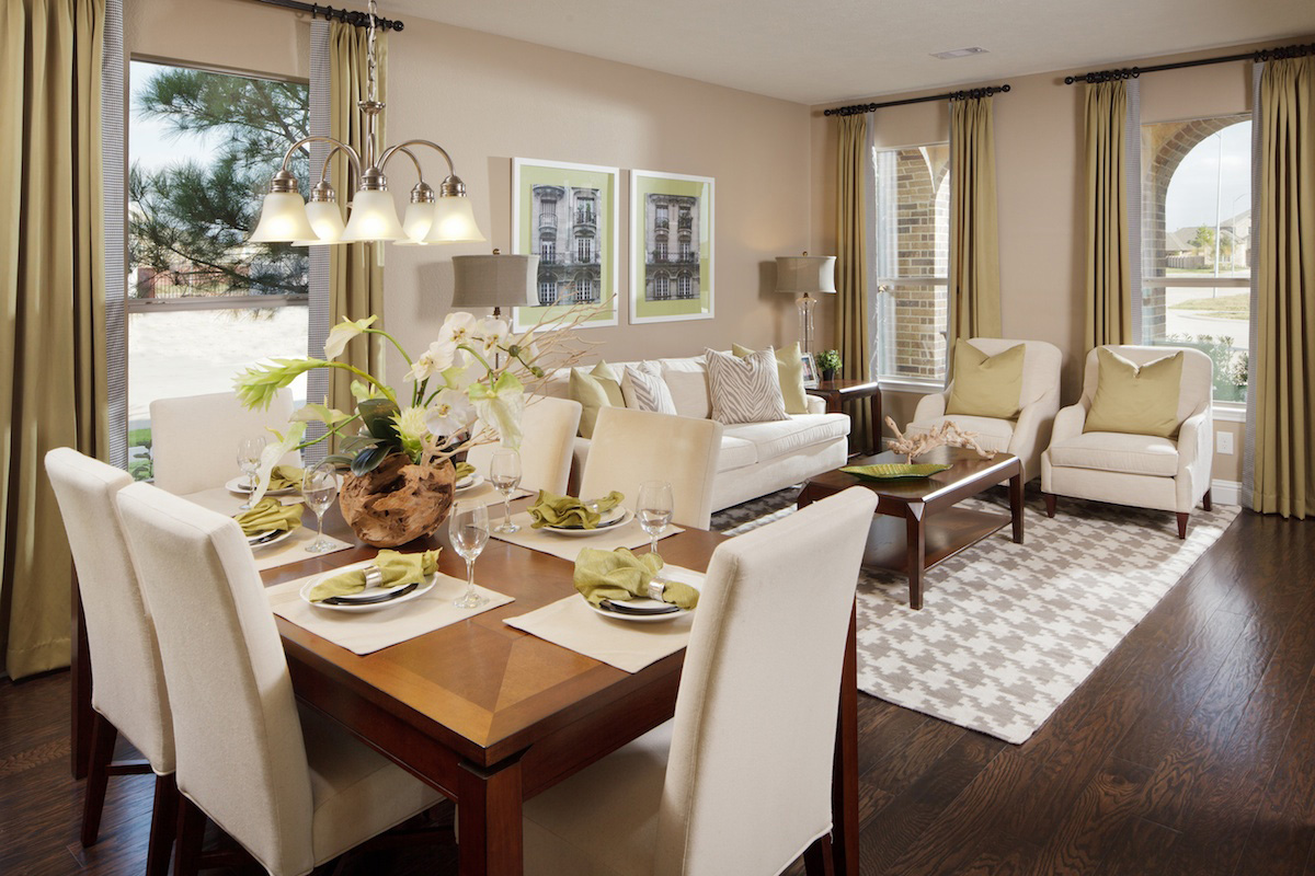 Townhouse living room dining room combo for Living room or dining room
