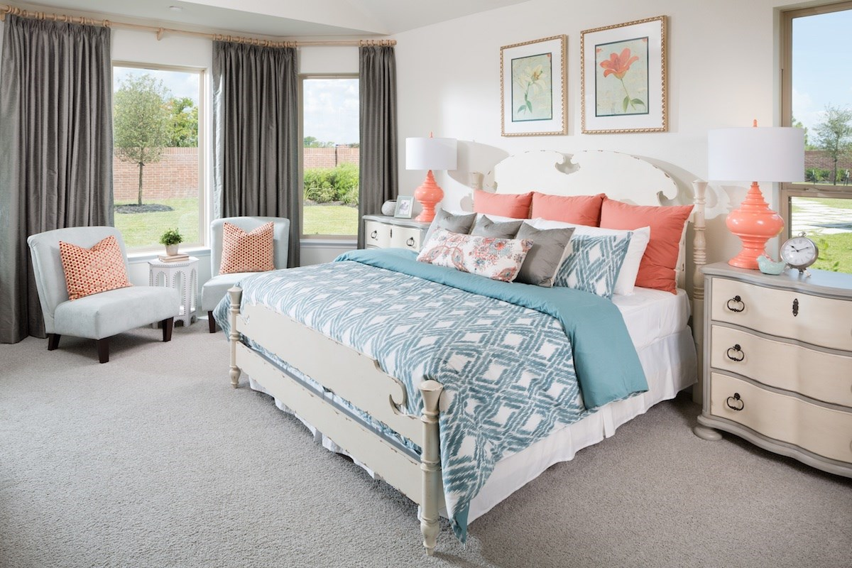 New Homes in Conroe, TX - Wedgewood Falls Preserve Plan 2715 Master Bedroom as modeled at Shadow Grove