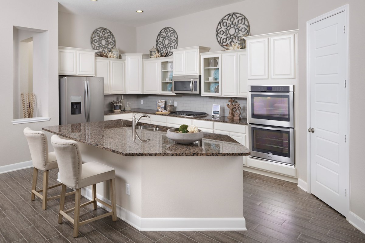 New Homes in Magnolia, TX - Cimarron Creek Estates Plan 2625 Kitchen