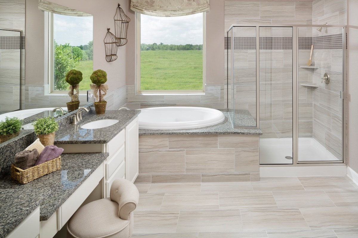 New Homes in Magnolia, TX - Cimarron Creek Estates Plan 2625 Master Bathroom