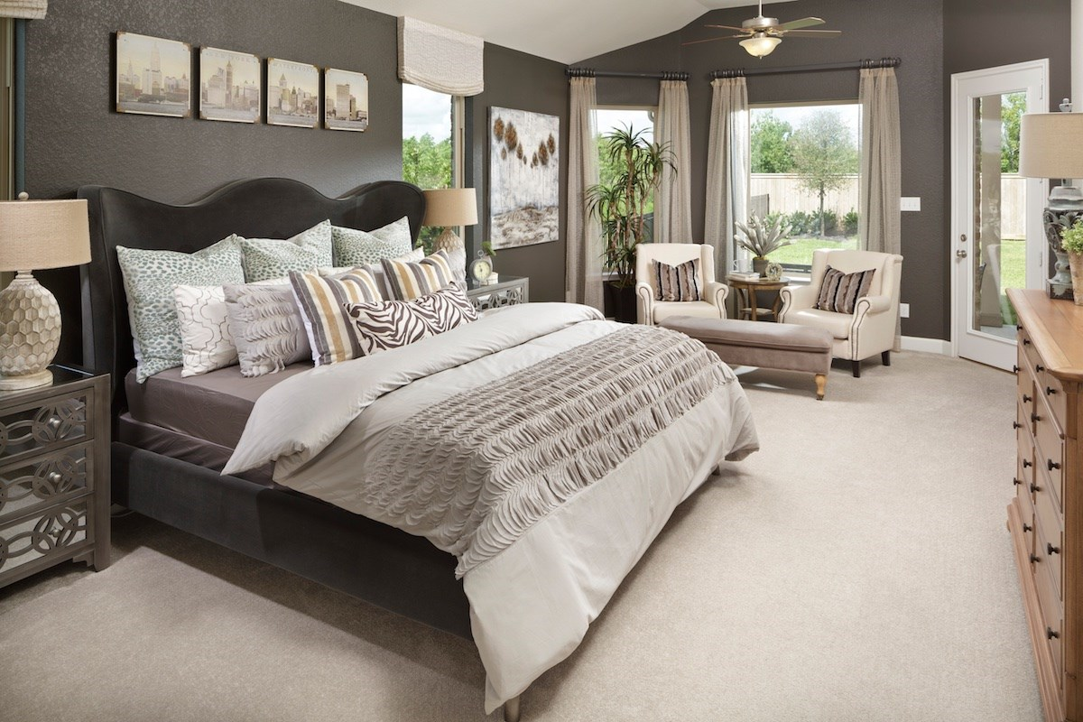 New Homes in Pearland, TX - Shadow Grove Estates 2625 Master Bedroom