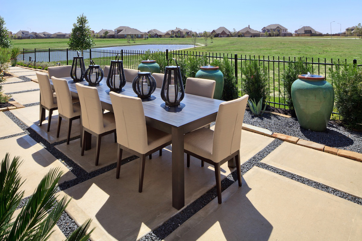 New Homes in Katy, TX - Katy Oaks Estates 3005 Outdoor Dining