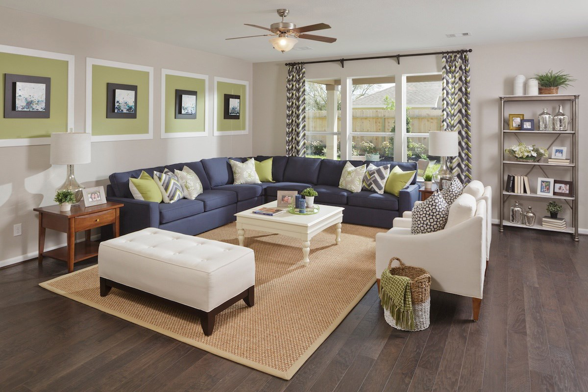 New Homes in Pearland, TX - Canterbury Park 2321 Living Room