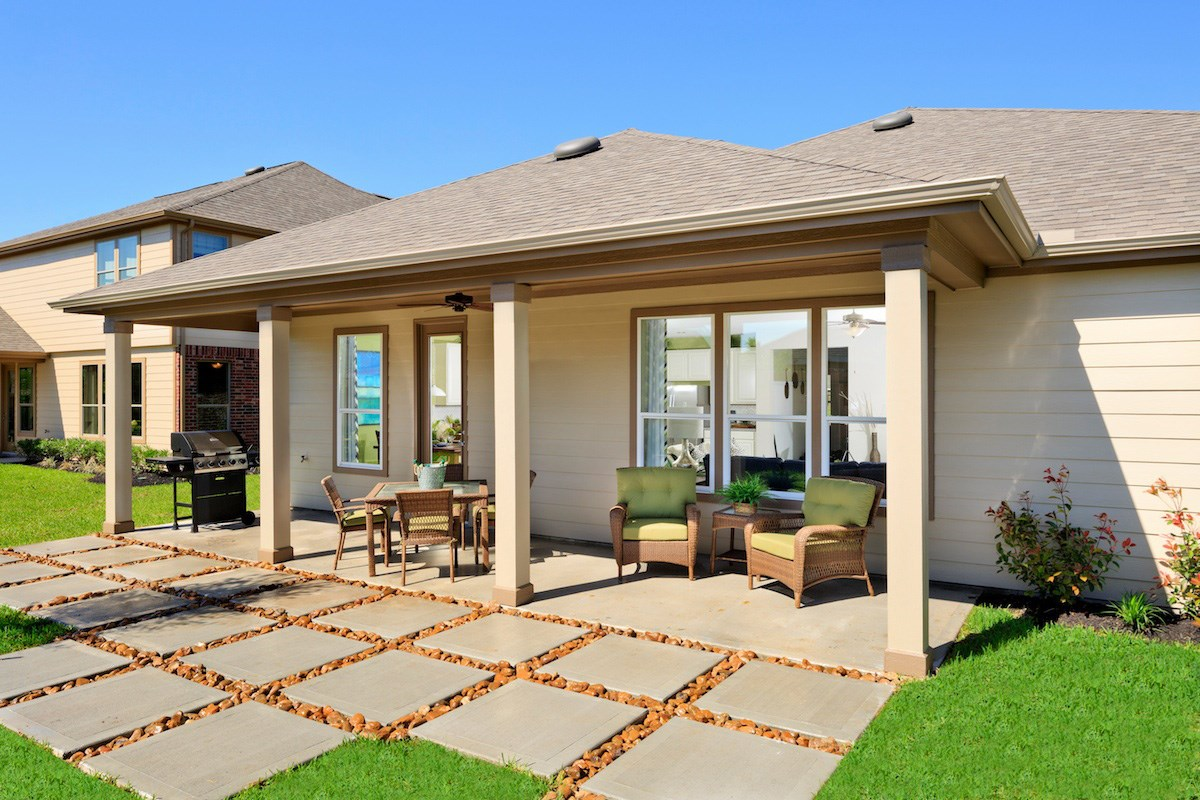 New Homes in Pearland, TX - Canterbury Park 2321 Outdoor Living